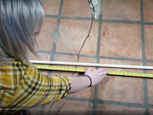 measuring dowel for curtain rod