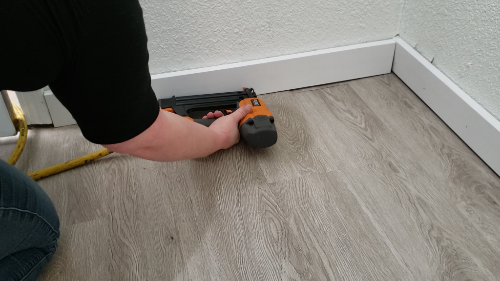 how-to-install-baseboards-easily-5