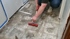how-to-install-peel-and-stick-vinyl-plank-tiles-13