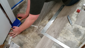 how-to-install-peel-and-stick-vinyl-plank-tiles-28