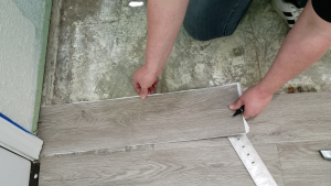 how-to-install-peel-and-stick-vinyl-plank-tiles-38