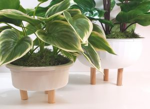 dollar-tree-urban-outfitters-insired-diy-planters (3)